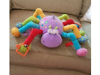 HANGING SOFT SPIDER WITH ACTIVITIES