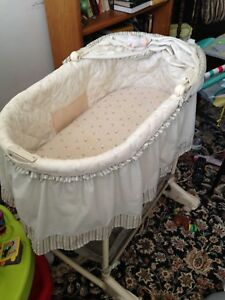 Sheep bassinet