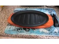 Set of 4 Brand New Cast Iron Sizzling Platters