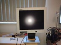 "Samsung Syncmaster 17"" Monitor"