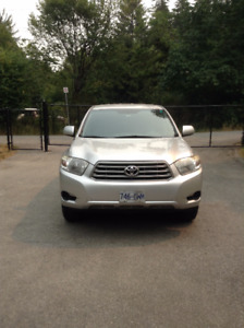 2008 Toyota Highlander SUV 7 passenger includes snow tires