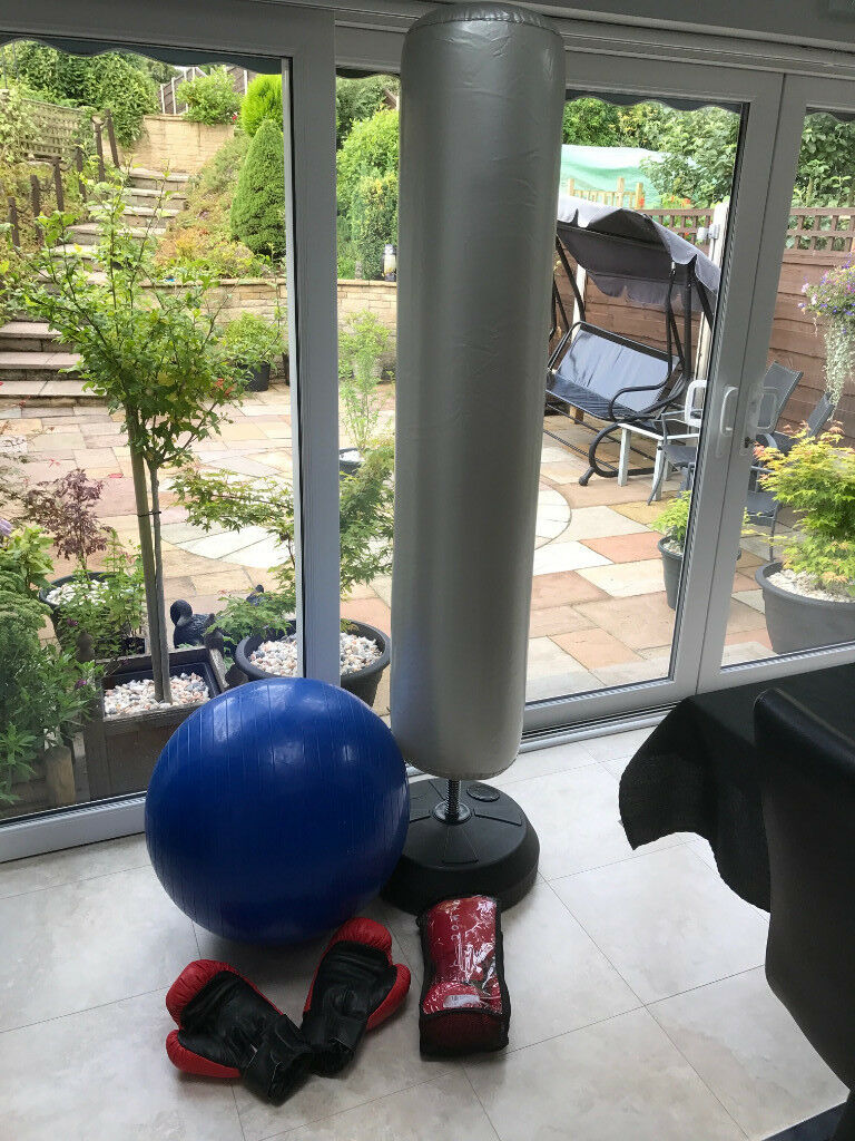 Inflatable boxing punch bag with gloves and fitness ballin High Lane, ManchesterGumtree - Inflatable boxing punch bag with 2 pais of boxing gloves and fitness ball. The base fills with water or sand