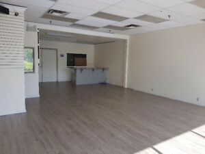 2800 sq ft Retail & Warehouse Space in Busy NE Plaza
