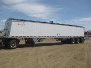 Wilson tri axle grain trailer