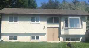 3+2 bed and 3 bath bilevel home in Millwoods with in-law suite