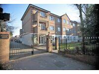 2 bedroom flat in Haddon Court, Hanbury Close, Hendon, NW4