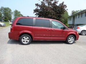 2010 DODGE GRAND CARAVAN STOW N GO -ONLY 75000 KM $9995.