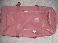 KIPLING 2 WHEELED SUITCASE - LARGE SIZE - HARDLY USED - SIMILAR TO NEW TEAGAN