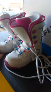 Size 3 JR Girl - Firefly Snowboarding Boots