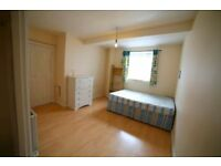 CRAZY DISCOUNT TODAY ** KING SIZE DOUBLE ROOM in SHOREDITCH ///// Hurry Up - COUPLE FRIENDLY