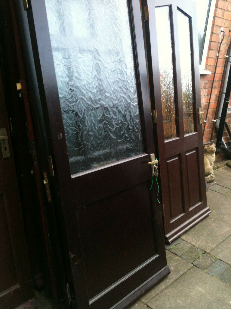 """Exterior door with large frosted glass paynein Malvern, WorcestershireGumtree - Exterior door with large frosted glass payne. Measurements are width just under 33"""" by height 78"""". There are 3 keys for the 5 lever lock plus hinges and handles. Price £20, Tel 01684563763"""