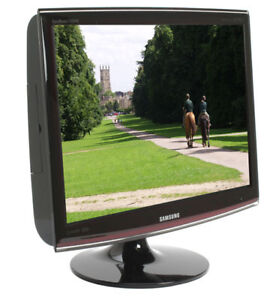 Samsung Touch Of Color T220HD 22-inch LCD Monitor & HD TV