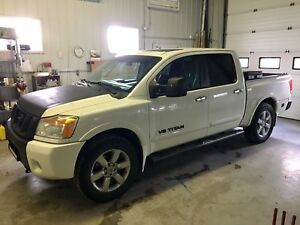 **2010 NISSAN TITAN LE ALL OPTIONS**OFFERS