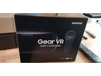 SAMSUNG GEAR VR HEADSET AND REMOTE 2017 MODEL