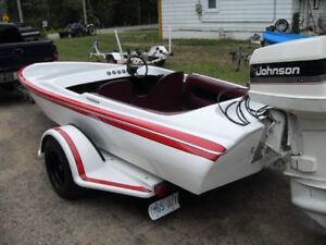 Mint 17 FT  J Craft  with 140 HP Johnson