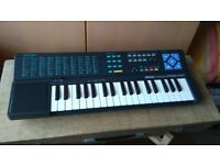 Yamaha porta sound PSS140 electric organ.