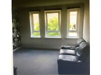 2 bedroom flat available 7th Sept for private rent. Ideal for links into Glasgow city centre.