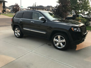 2012 Jeep Grand Cherokee Overland SUPER LOW KMS