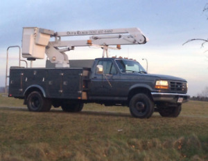 ***Sold***1995 Ford 35 ft Bucket Truck.