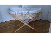 Mamma & Pappa's Classic Moses Basket with stand