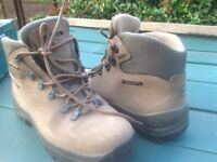 Goretex lined Walking ...Hiking ..Trezeta boots 7.5