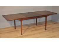 Attractive Large Vintage Retro 60/70's McIntosh Rosewood Extending Dining Table