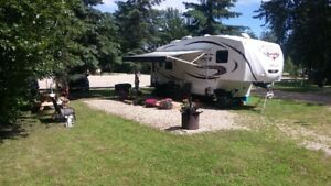 2014 Sabre Silhouette 250RLUD 5th Wheel