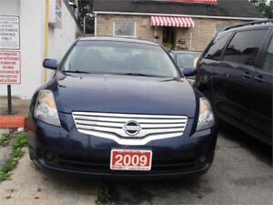 2009 Nissan Altima 2.5 Sedan One owner Blue Only 179,000km