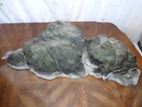 Large 3D Rock With Off-cuts Of 3D Background