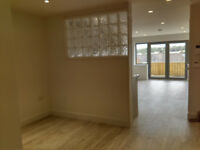 Beautiful Studio/1Bed Flat to Rent in Central Truro with Patio Garden, Parking and Cathedral Views