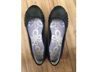 Girls Black Shoes (size 5)