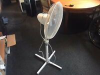"tescos Summer Free Standing Air Fan 16"" 55W 3 Steps white Portable"