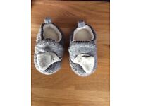 Baby / toddler shoes (slippers)