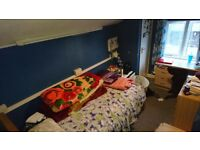 Single Room - Reading West - Available NOW