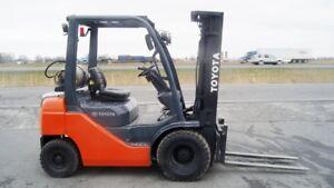 2010 Chariot élévateur/Forklift, Toyota 8FGU25