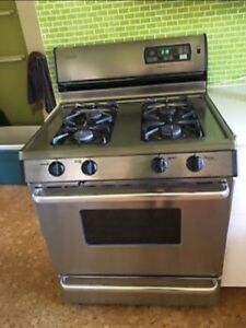 Stove / Oven - We Move - Pick Up & Delivery Services