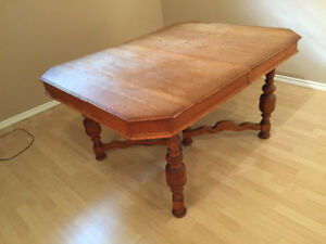 Antique soils wood table