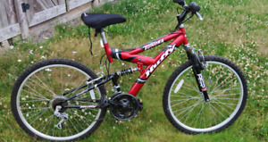 Huffy Tundra 21 Speed Men's Mountain Bike. GREAT Condition!