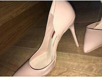 Nude size5 high heels