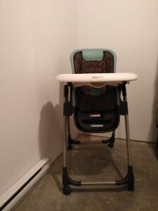 Chaise haute Maxi-Cosi très fonctionnelle