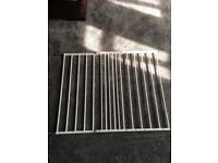 Extendable baby gates