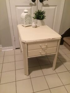 Solid wood refinished single side table