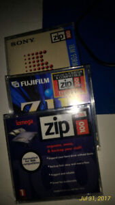Zip drive cassettes (6) for all of them