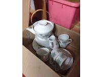 LARGE selection of NORITAKE WILD IVY tea set 18 pieces