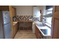 £75 Per Week, 2 Double bedrooms available, Opposite Spar/bus stop