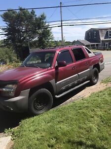 2004 Chevy Avalanche -4WD low kms- needs a little work $3000 obo