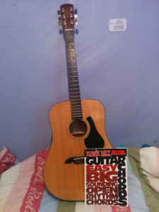 Acoustic guitar almost brand new