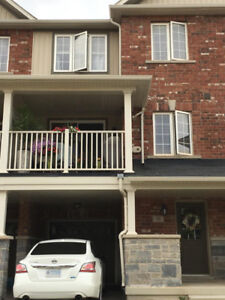 EXECUTIVE 2BR TOWNHOME IN WATERDOWN FOR LEASE