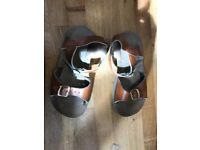 Children's saltwater sandals UK 10