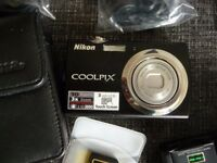 Nikon coolpix 10 Megapixels 3ins touch screen 4gb hd card with all the bits